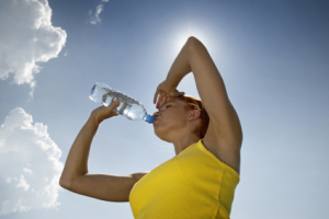 runner-drinking-water